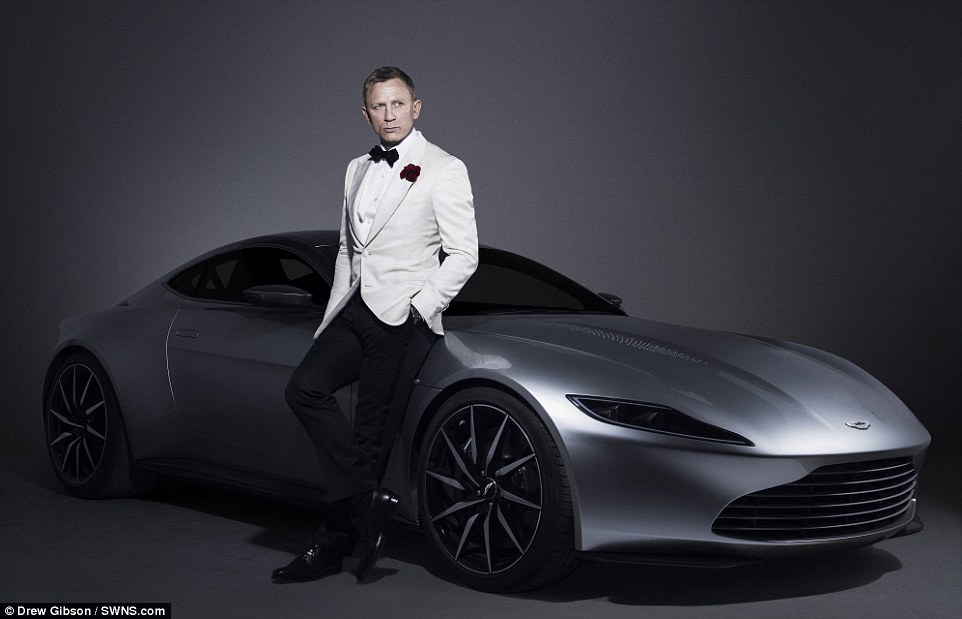 James Bond Aston Martin DB 10 Product Placement in Spectre